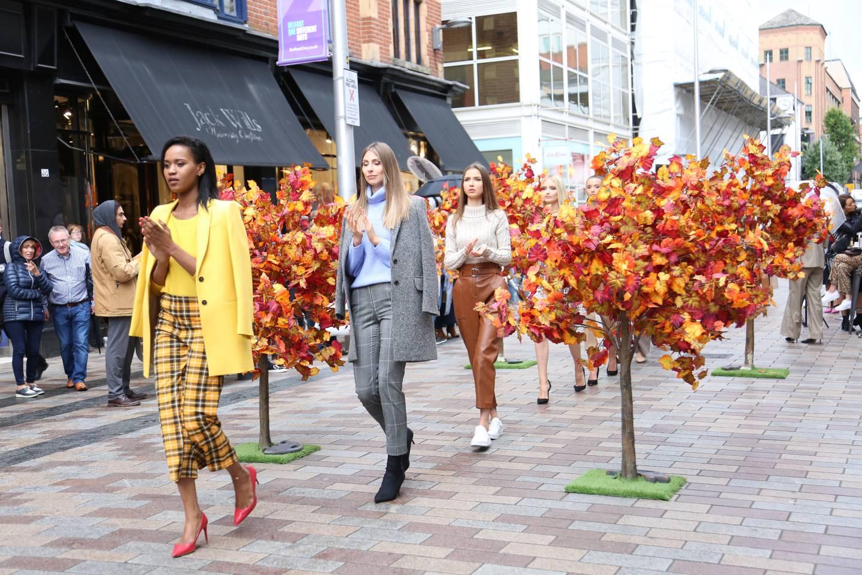 Belfast One Street Style Fashion Week Argento