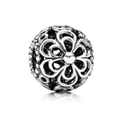 PANDORA Picking Daisies Charm