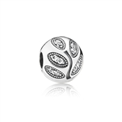 Pandora Sparkling Midnight Leaves Clip