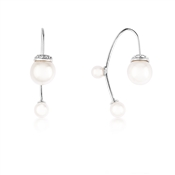 August Woods Outlet  Pearl Pull Through Earring