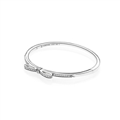PANDORA Sparkling Bow Bangle