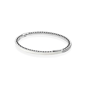 PANDORA Pearlescent Radiant Hearts of PANDORA Bangle