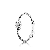 Pandora Spirited Heart Chain Ring