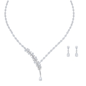 Swarovski Nice Necklace + Earrings Set