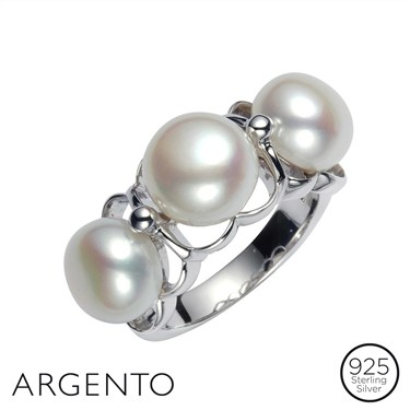 Argento Three Pearl Ring