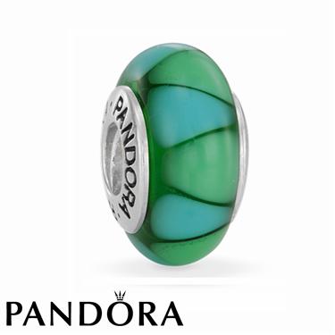 Pandora Green Captivating Charm