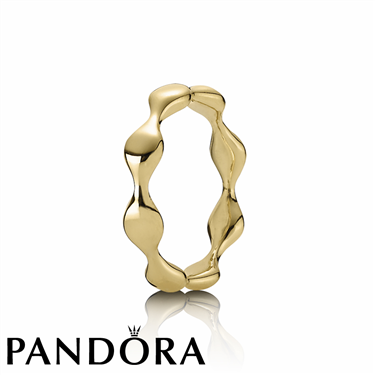 Pandora Gold Eight Lovepod Ring