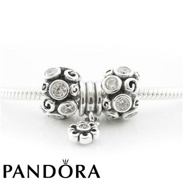 Pandora Sparkling Winter Necklace