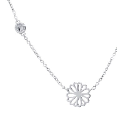 Argento April Birth Flower Daisy Necklace  - Click to view larger image